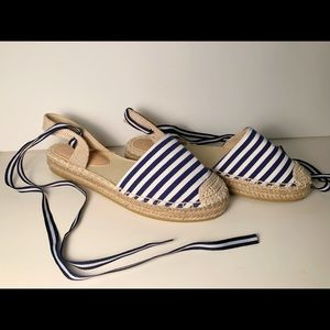 Wild diva blue and white sandals